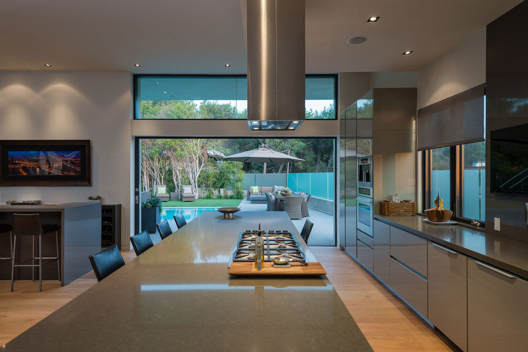 large-modern-kitchen-design-and-cabinet-with-door-drawer-microwave-shelf-plus-island-with-table-and-marble-countertop-ideas
